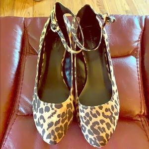 Banodino leopard print women's shoes. 11M.